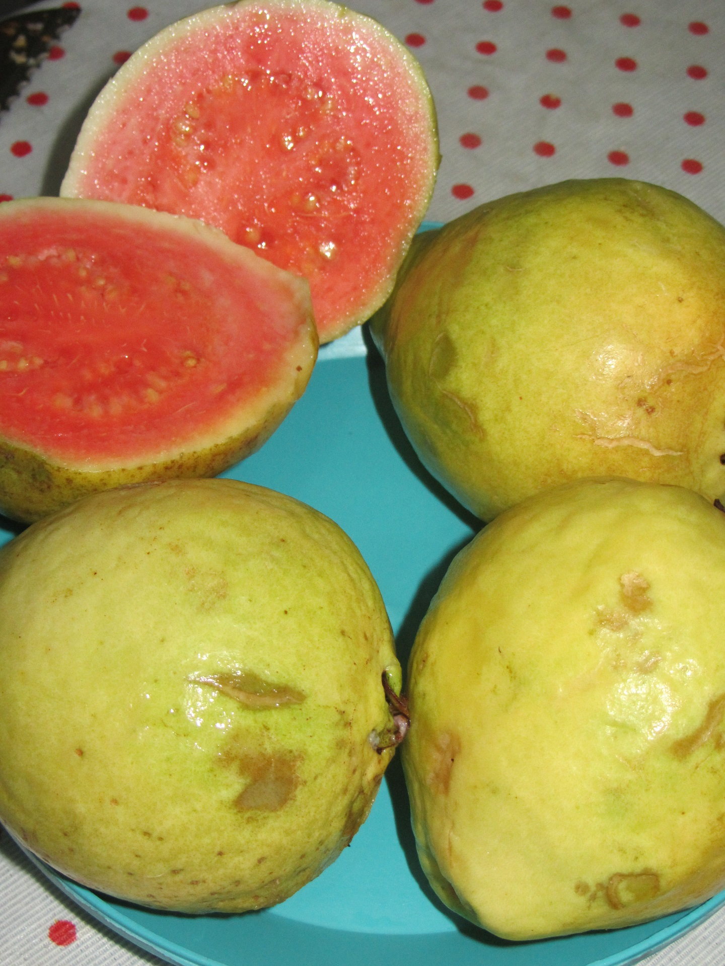 Guava-benefits-and-harms