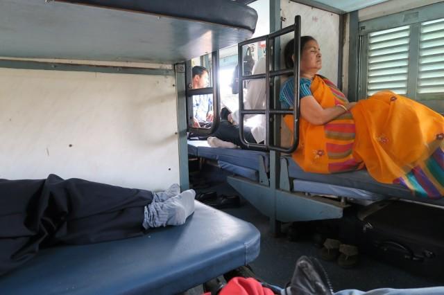 trem indiano, classe sl, viajar de trem na india